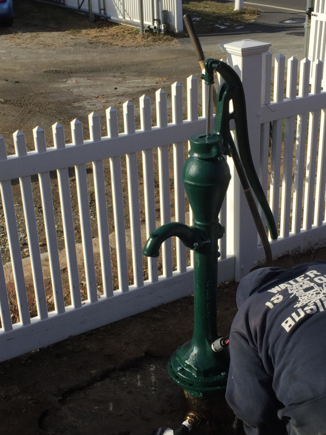 hand pump for well in connecticut